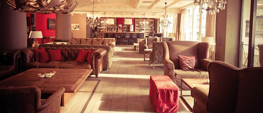 Q Hotel Maria Theresia, Kitzbühel, Austria - lounge.jpg